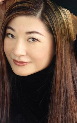 Kailin Gow Headshot Photo